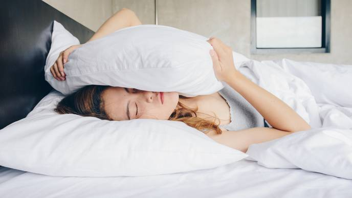 People React Better to Both Negative & Positive Events with More Sleep