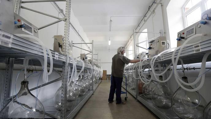 Czech Volunteers Develop Functioning Lung Ventilator in Days